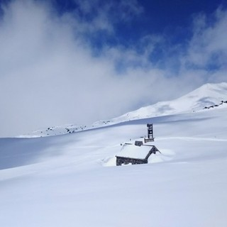 Powder snow on asahidake in late spring small